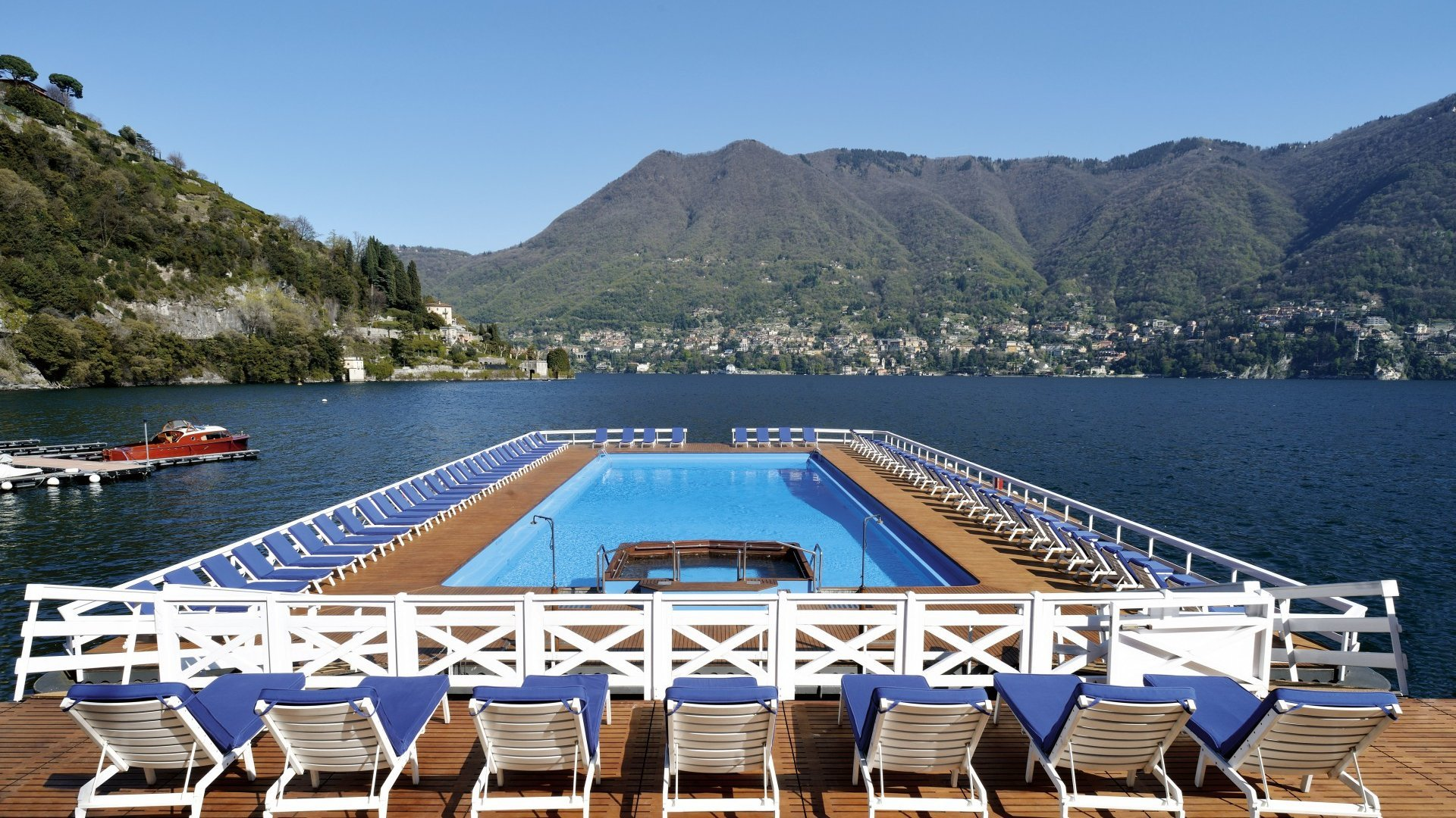 Villa D'Este hotel, Como lake, sharing swimming pool