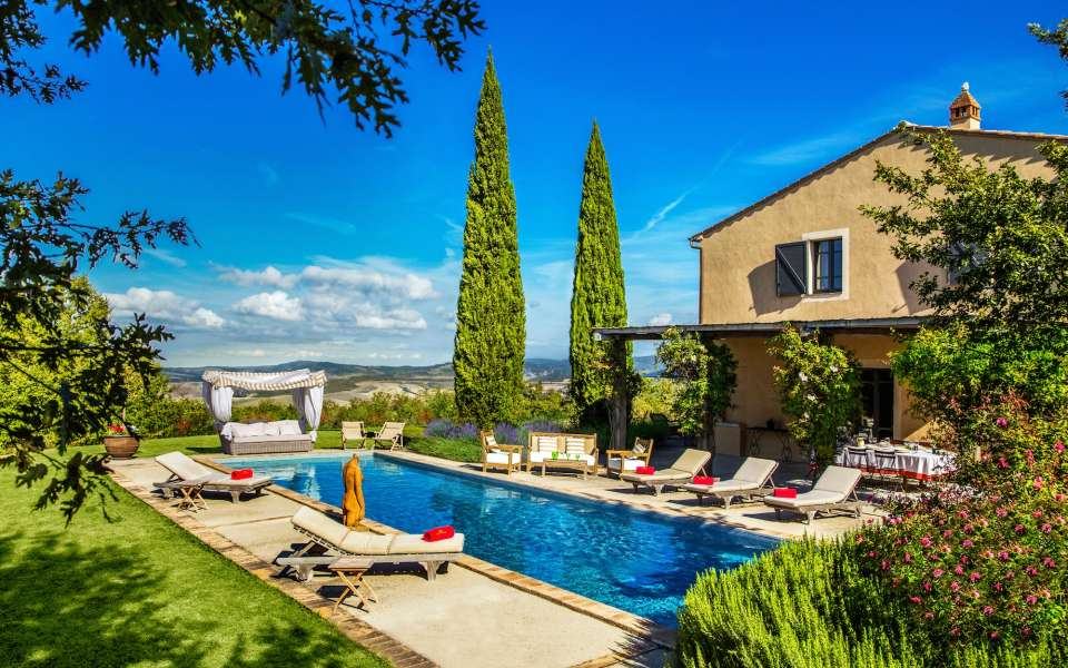 luxury villa Lira for rent in Tuscany