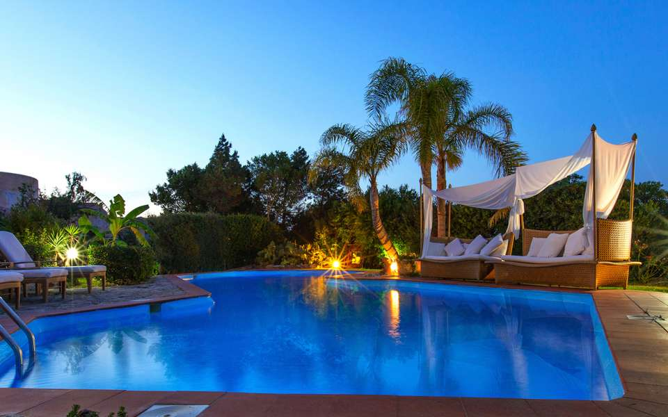 luxury villa in Sardinia for rent