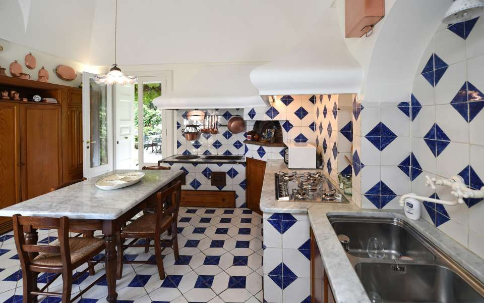 main villa, kitchen