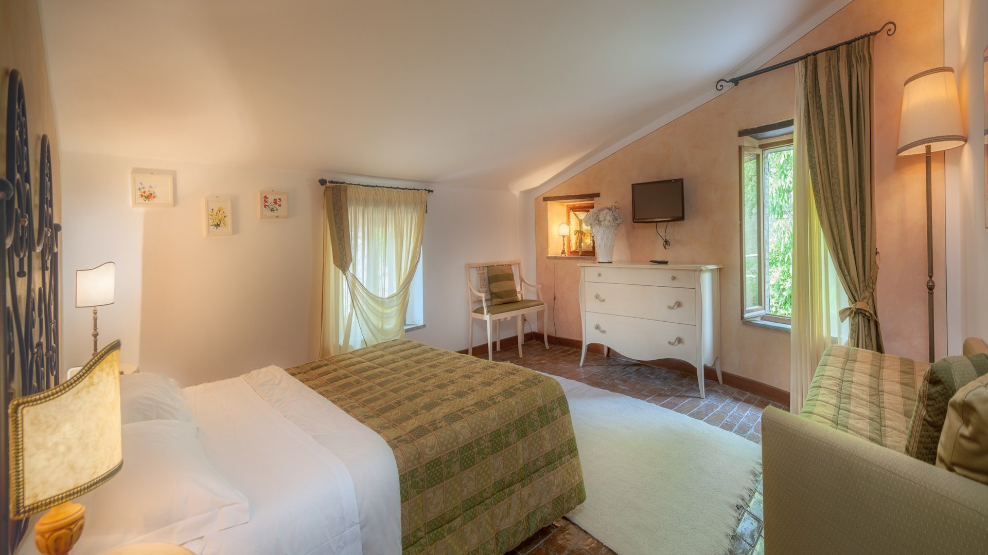 main villa, double bedroom
