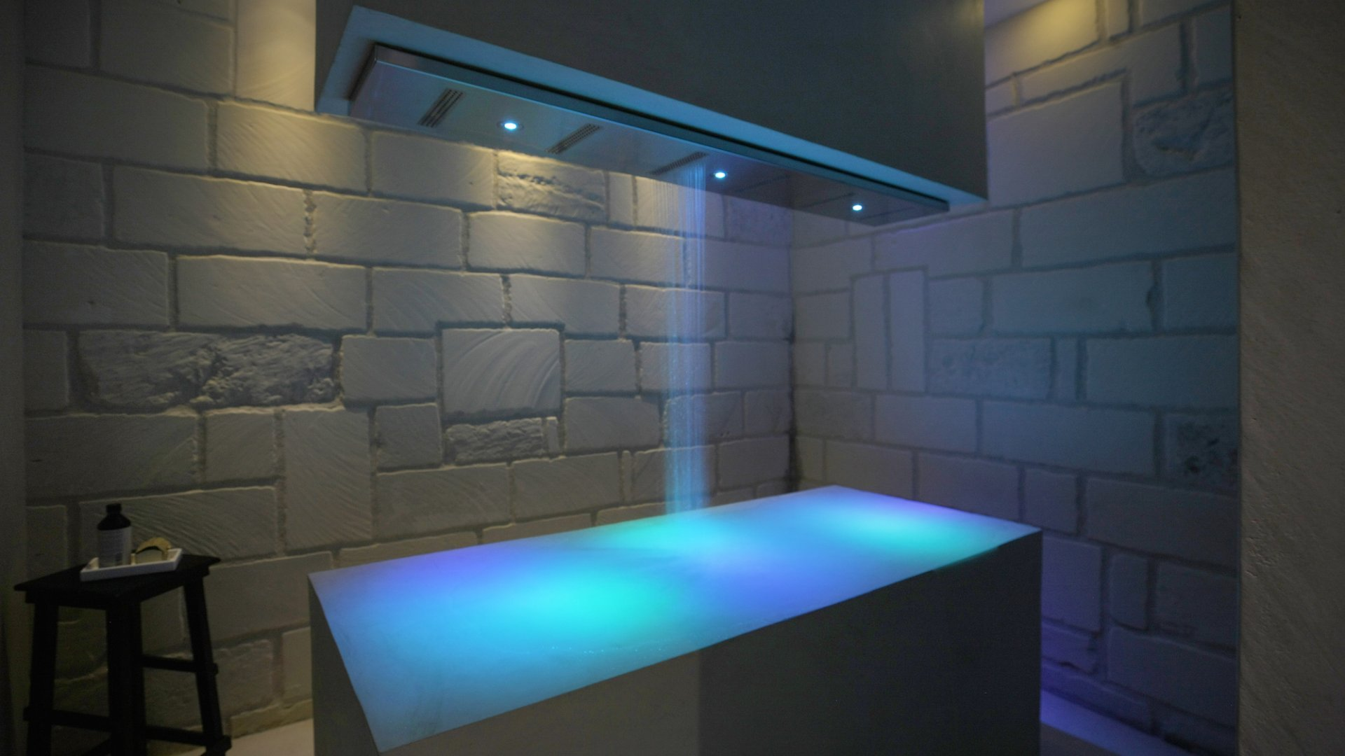 SPA: room with the horizontal shower for massages