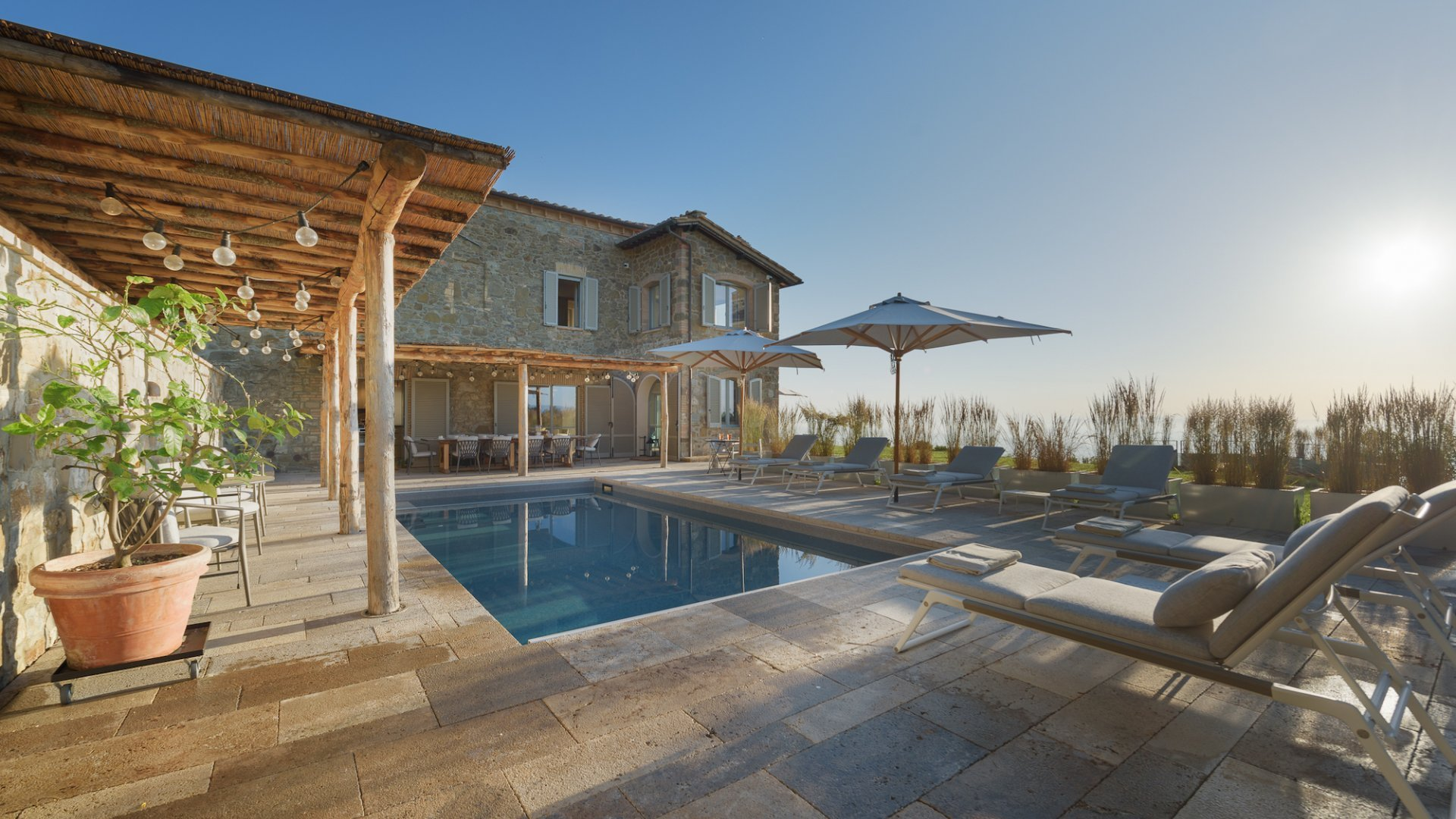 holiday villa walking distance to Montalcino