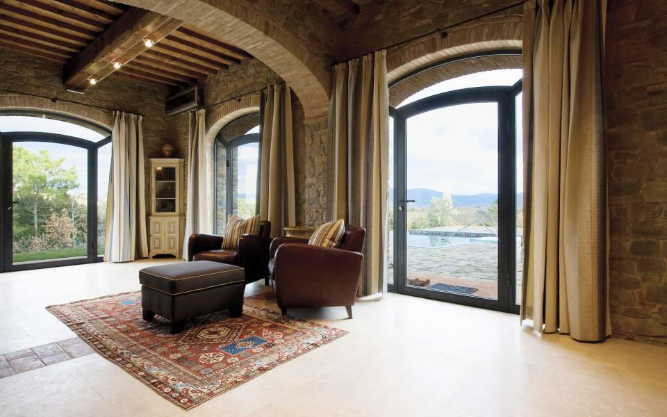 luxury vacation villas for rent in Tuscany
