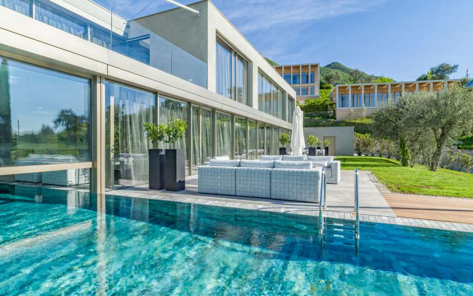 luxury villa on Garda lake
