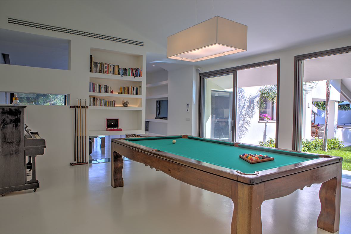 ground floor, billiard table which can be transformed into a big dining table